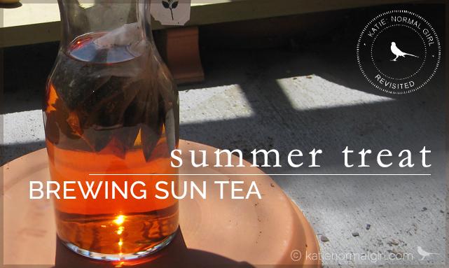 Brewing Sun Tea from katienormalgirl.com